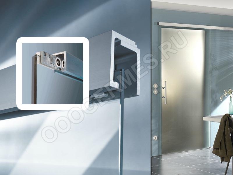Дверь с узким закрытым раздвижным механизмом