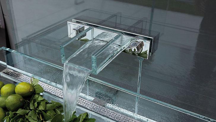Смеситель со стеклянным краном