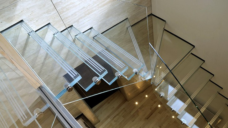 Лестницы из стекла