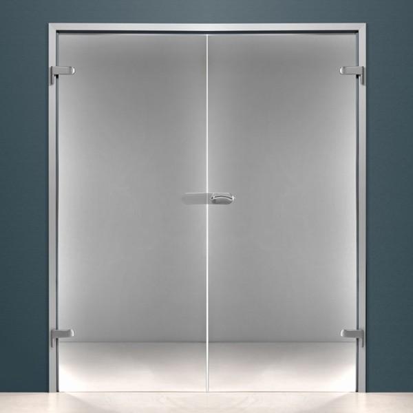 Стеклянная распашная двустворчатая дверь в алюминиевой коробке