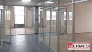 Внутреннее остекление этажа бизнес-центра
