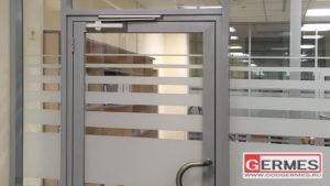 Перегородки и двери для лаборатории