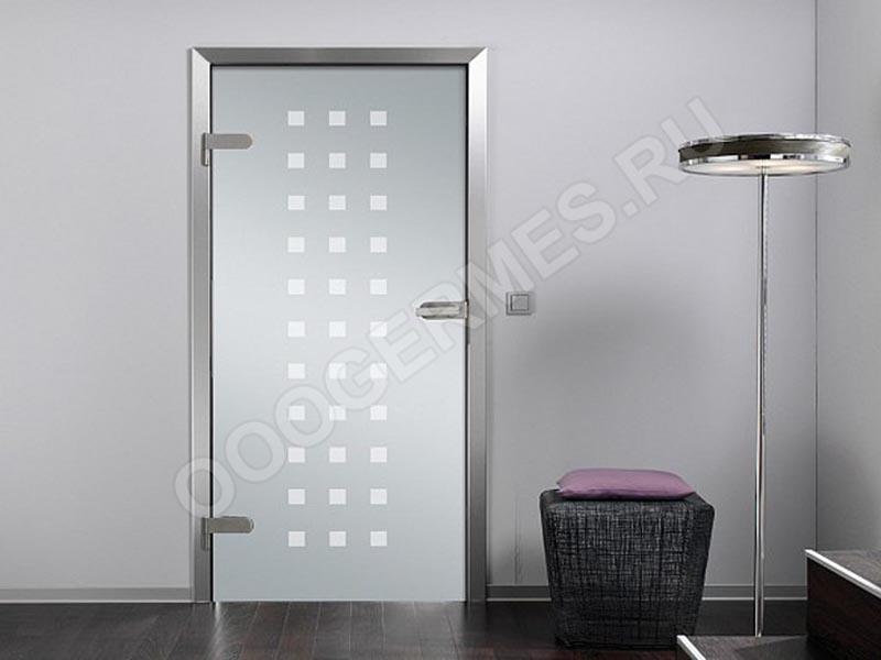 Стеклянная дверь в стиле хай-тек