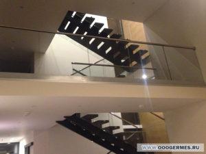 Общий план и ограждение внутреннего балкона