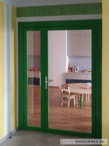 Стеклянная дверь в алюминиевом профиле с добором
