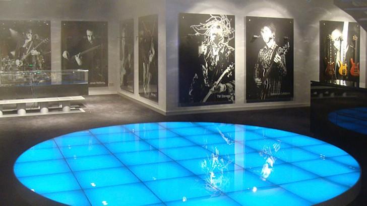 Подиум танцпол из стекла