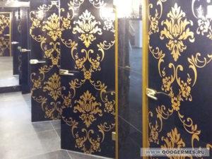 Стеклянные двери в санузел