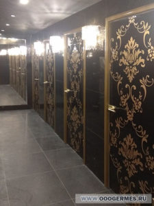 Двери в туалетные комнаты
