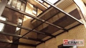 Стеклянно-алюминиевый навес для частного дома