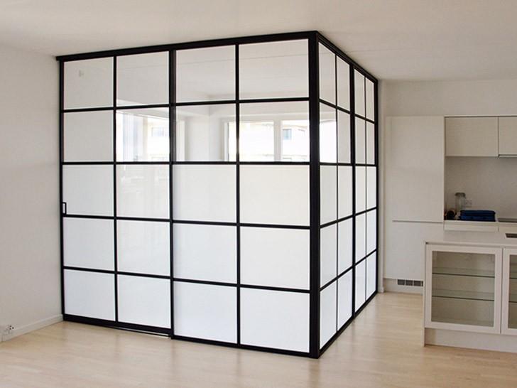 loft-prozrachnoe-i-beloe-steklo