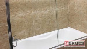 Раздвижное душевое ограждение, монтаж на ванну